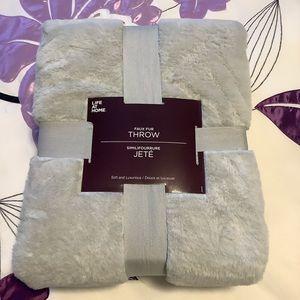 FauxFur Blanket Ultimate Softness 50X60 lightgrey